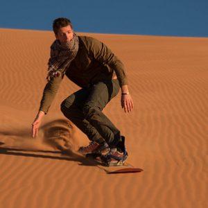 Sandboard Sobre Las Dunas